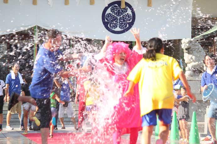 水かけ祭りの画像