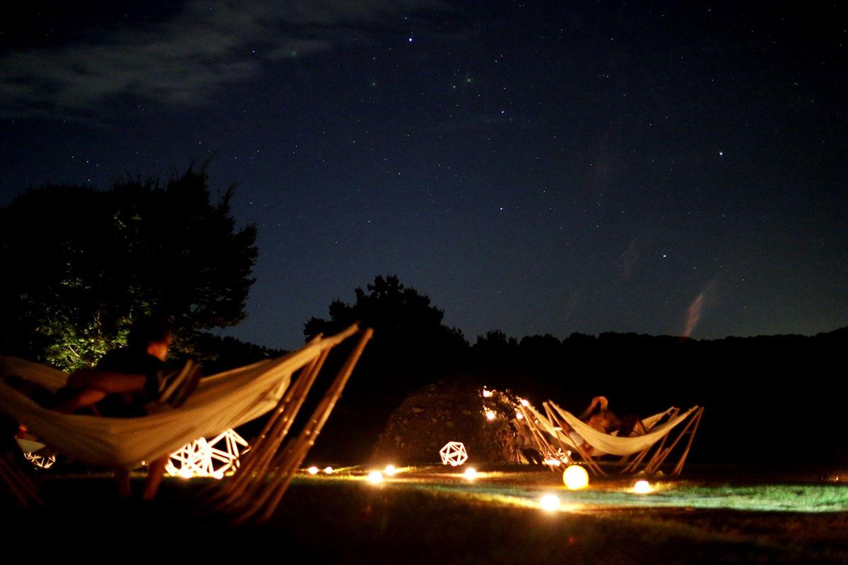 ソラツーリズム主催、昨年の星空ハンモックの様子写真